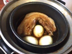電鍋にゆで卵投入